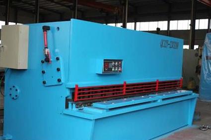 QC11Y-20X2500液压剪板机