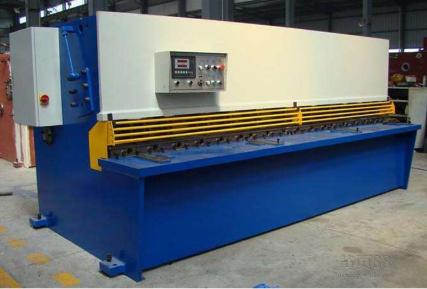 QC12Y-12X2500液压剪板机